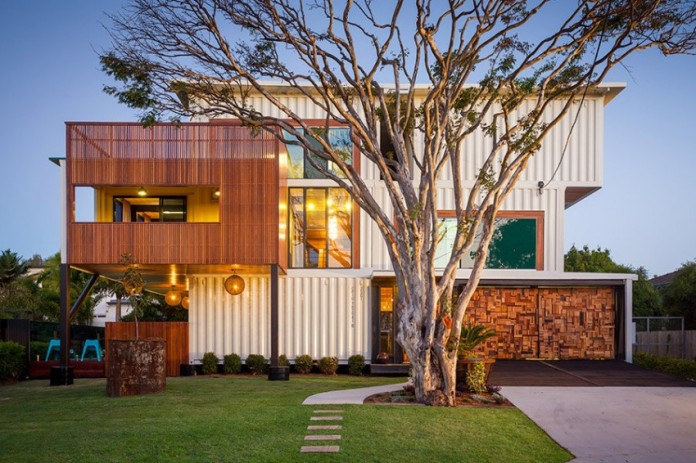 31-shipping-container-house-01-850x566